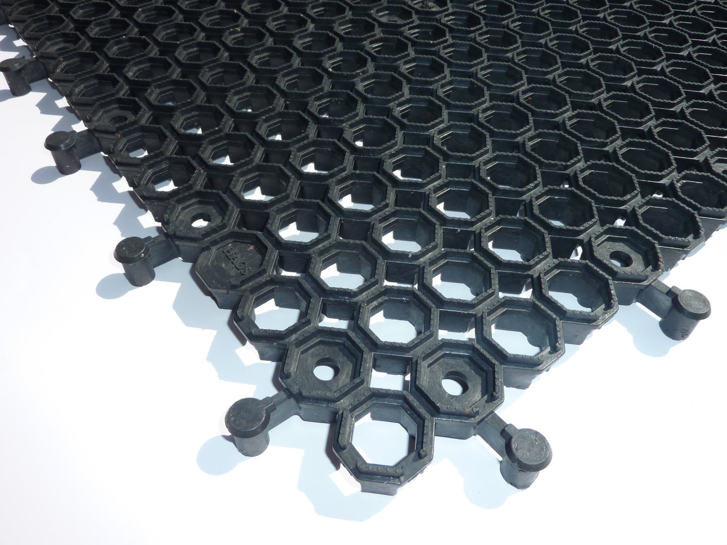 7701 Honeycomb Interlocking Modular Tile